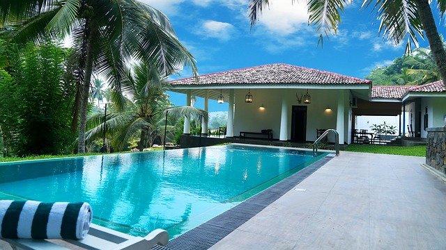 Köpa pool till trädgården